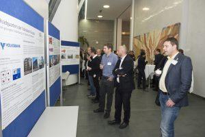 """Das Schwerpunktthema """"Revitalisierung"""" wurde aus politischer, ökonomischer, ökologischer und funktionaler Sicht anhand von zahlreichen Best Practice Beispielen, die zusätzlich im Foyer ausgestellt wurden, beleuchtet und diskutiert. (4. Kongress der IG LEBENSZYKLUS BAU 2014)"""