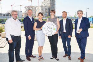 Digitale Kooperation: DBS-Club startet in aspern Seestadt. Eingebunden in aspern Die Seestadt Wiens, eines der größten Stadtentwicklungsgebiete Europas, wird im Rahmen eines dreijährigen Programms an digitalen Lösungen für Gebäude gearbeitet.